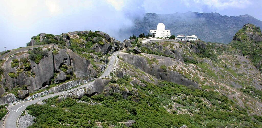 Car-Rental-Mount-Abu