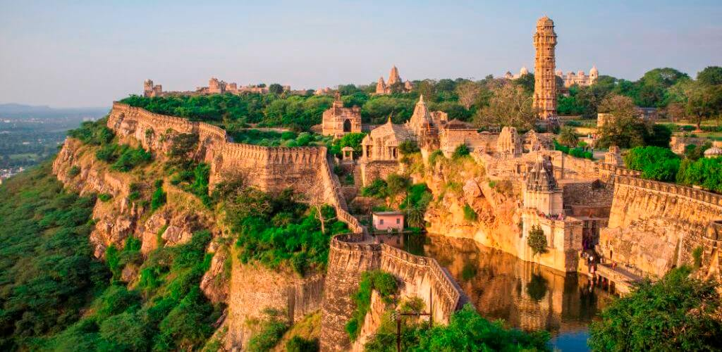 Udaipur-To-Chittorgarh-Car-Rental